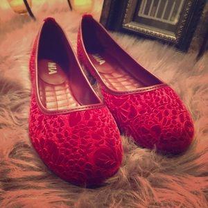 🆕Mia 🌺 Camille Burgundy Tooled Velvet Flats 🌺